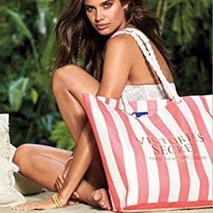 Victoria Secret• Limited edition beach tote bag